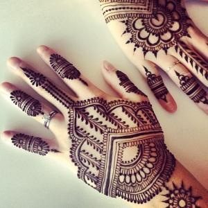 arabic back hand mehendi designs