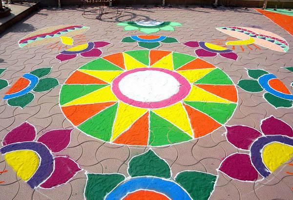 Top 35+ Beautiful Easy Rangoli Designs For Diwali