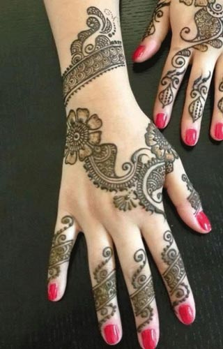 latest mehendi designs