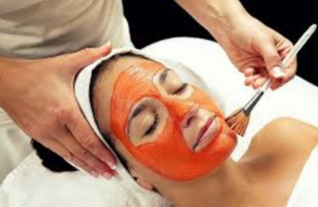 Tomato, Oatmeal and Yogurt Mask To Get Rid Of Pigmentation