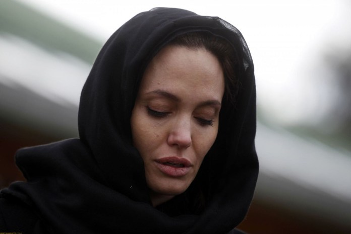 Angelina Jolie Beautiful Wallpapers HD Images Sexy Actress