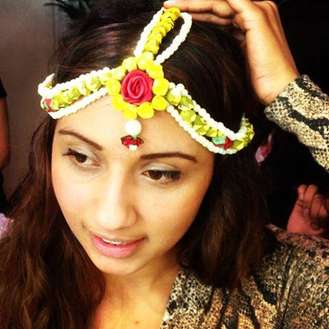 flower beaded hair jewellery