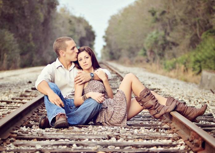 engagement shoot on train tracks