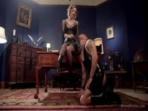 オナペットを飼ってるドSな美巨乳痴女お姉さんが性欲のままに好き勝手にセックスしてる洋物動画