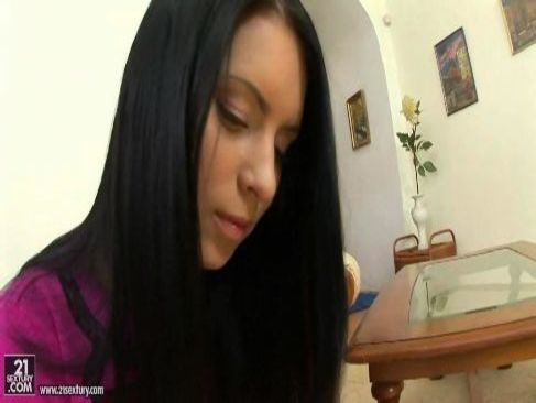 東欧系黒髪極上美女の豪快生ハメセックスがエロくて超抜ける洋物動画無料
