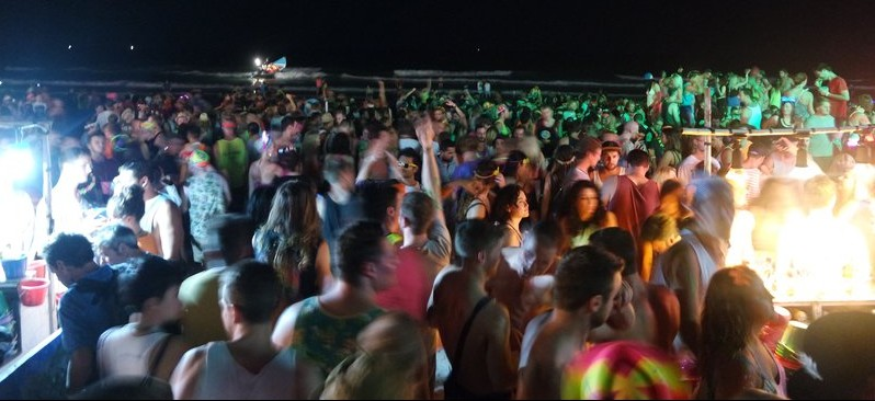 A crowd at the Full Moon Party