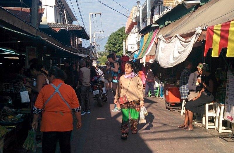 Busy lane in Chiang Mai