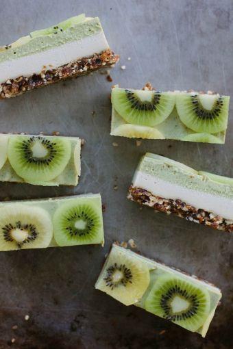 raw kiwifruit + ginger cheesecake on www.mydarlinglemonthyme.com