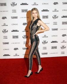 Gigi_Hadid_Sports_Illustrated_Celebrates_Swimsuit_71RQwZXHoLDx