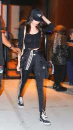 Bella-Hadid-out-in-NY--10