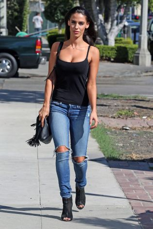jessica-lowndes-in-ripped-jeans-out-in-los-angeles-10-21-2015_14