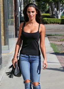 jessica-lowndes-in-ripped-jeans-out-in-los-angeles-10-21-2015_22
