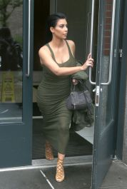 kim-kardashian-out-and-about-in-new-york-06-02-2015_5