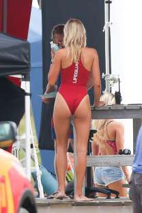 Kelly-Rohrbach-in-Red-Swimsuit-onBaywatch-set--24