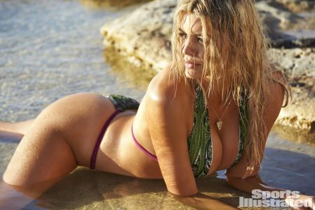 kelly-rohrbach-in-sports-illustrated-swimsuit-issue-2016_19