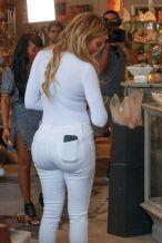 khloe-kardashian-shopping-in-west-hollywood-09-01-2015_18
