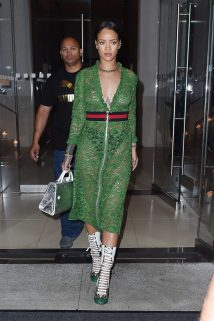 Rihanna-in-green-lace-dress--16-662x995