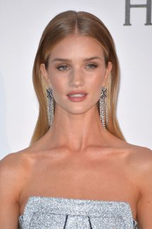 rosie-huntington-whiteley-at-amfar-s-23rd-cinema-against-aids-gala-in-antibes-05-19-2016_2