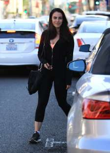 Jessica-Lowndes-in-Tights--022