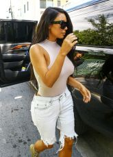 kim-kardashian-out-and-about-in-miami-09-17-2016_3