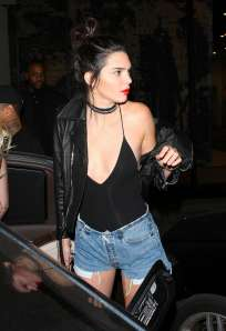 kylie-and-kendall-jenner-at-catch-restaurant-03
