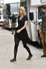 taylor-swift-at-the-gym-in-new-york-city-07