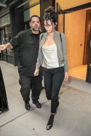 September 6, 2016: Kendall Jenner is seen out and about in New York City. Mandatory Credit: PapJuice/INFphoto.com infusny-260/285