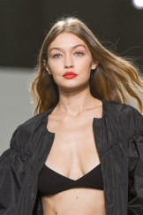 PARIS, FRANCE - OCTOBER 03: Gigi Hadid walks the runway during the Gambattista Valli show as part of the Paris Fashion Week Womenswear Spring/Summer 2017 on October 3, 2016 in Paris, France. (Photo by Dominique Charriau/WireImage)
