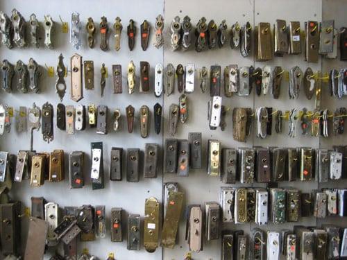 Caravatis Doorknob Backplates