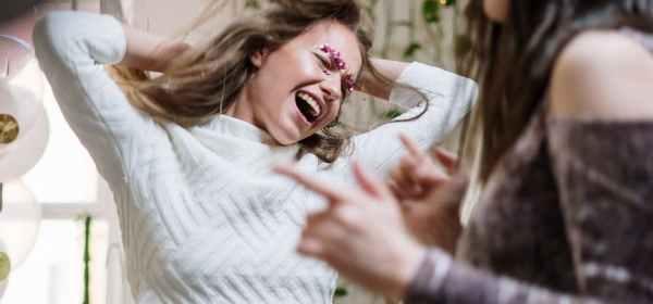 Girls: Best Friends or Enemies? Does 'Sis Code' Exist?
