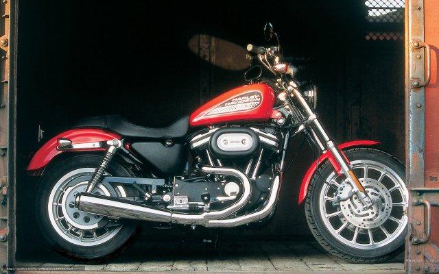 Harley-Davidson 883 R