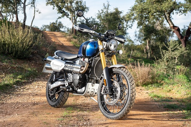 Triumph-Scrambler-1200XE-static-beauty