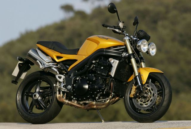 Triumph-Speed-Triple-1050-Scorched-Yellow-2005