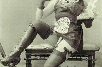 Fetish wear in the 1920s