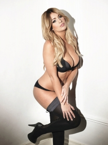 holly peers 0914 topless photos 03 - Holly Peers awesome outtakes for Nuts Magazine