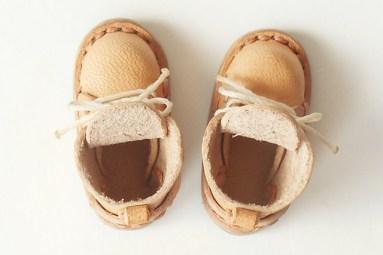 靴底が幅広になったことで、履き口も広くなりました