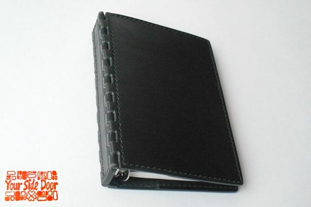 オーダーメイドのミニ6穴 レザー蝶番のシステム手帳 black