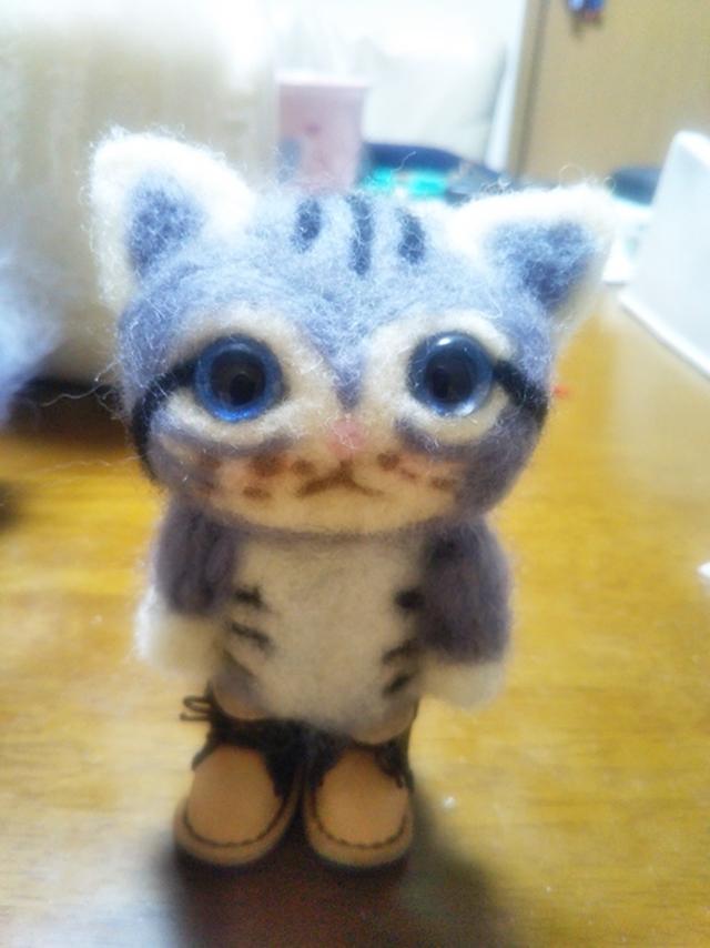 お客様の手作りの羊毛フェルトのネコちゃんです