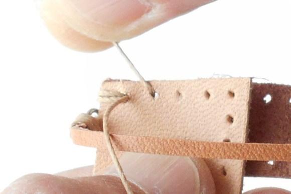 ミニチュア作りのために考えた独自の縫い方です