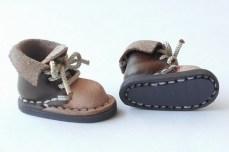 靴底は特殊なマグネットシートです