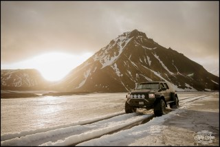 super-jeep-wedding-iceland