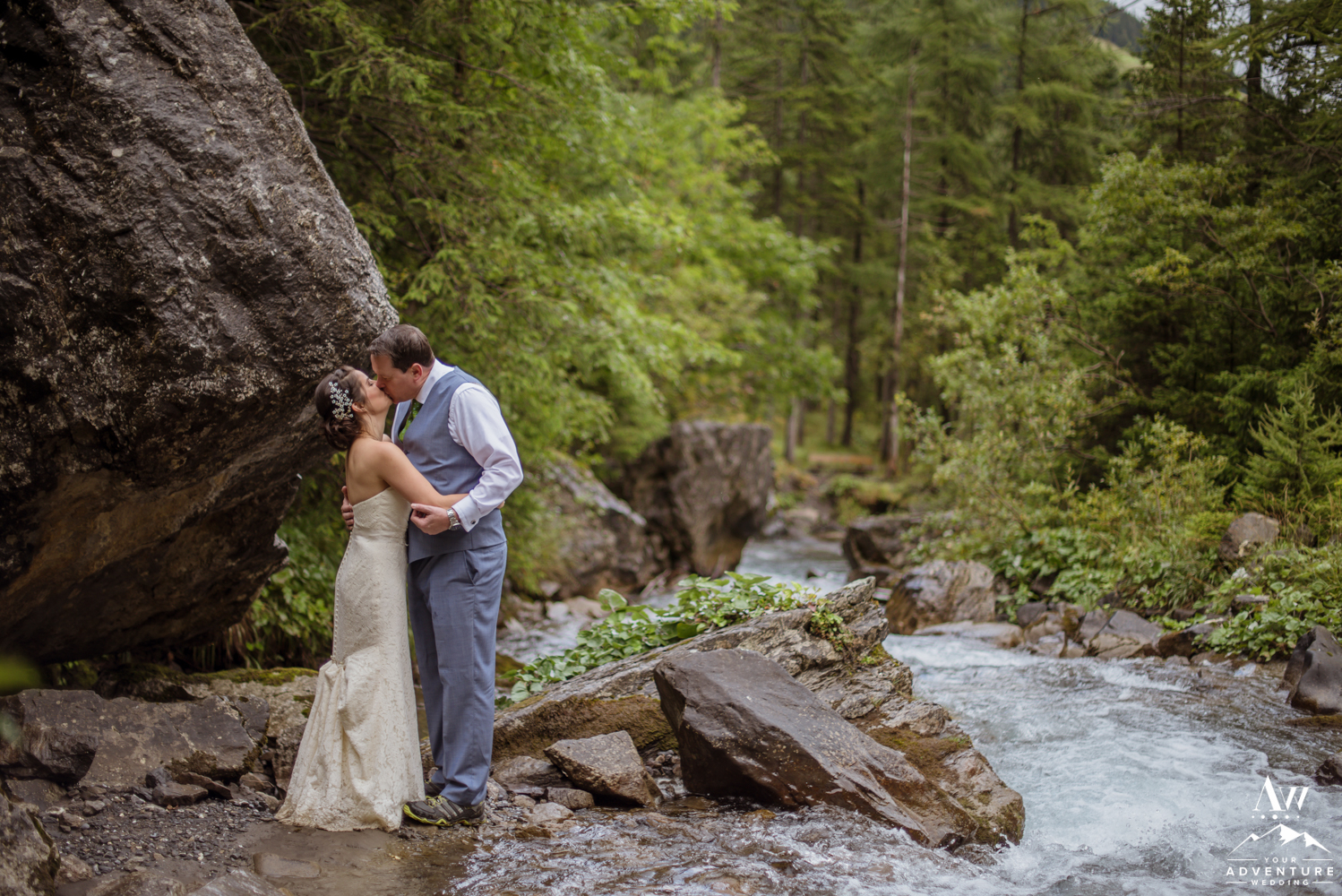 Switzerland Adventure Wedding Couple Kissing