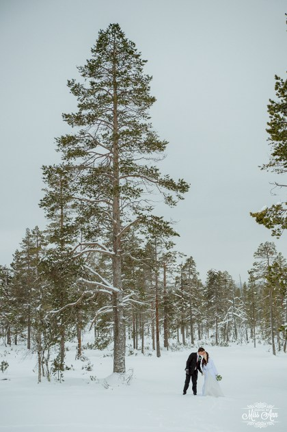 Finland Wedding Igloo Hotel by Your Adventure Wedding-16