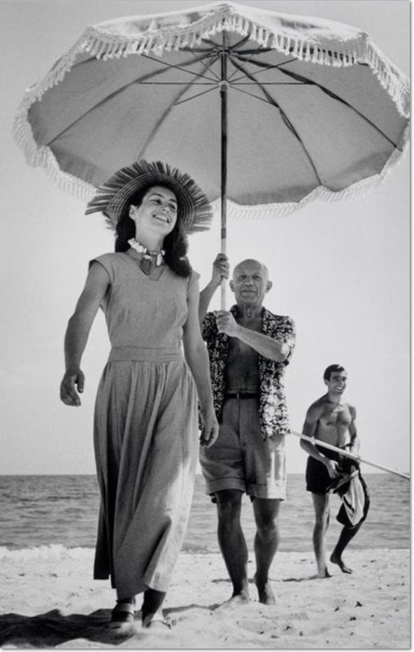 """Robert Capa: """"Picasso und Françoise Gilot"""", France, 1951, Gelatine Silver Print, Abzug von 1989, Original Magnum Photo mit Stempel von Robert Capa Estate / Magnum Photoagentur en verso"""