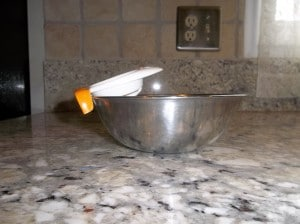 The Joie brand Yolky egg separator does not fit on small metal mixing bowl.