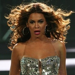 Beyonce 300x3002 Beyonce Reportedly Rushed to the Hospital, in Labor