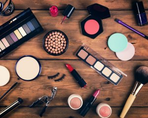 Hollywood makeup tips