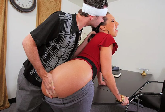 Kelly Divine - The Slutmother