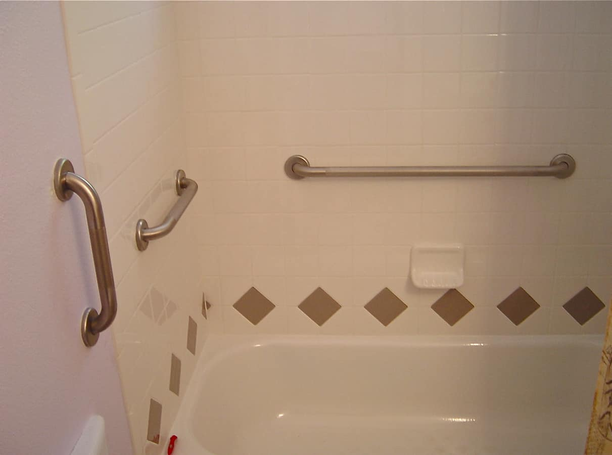 grab bars for bathrooms: 3 important things to know