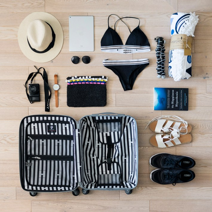 things to bring on vacation to the beach